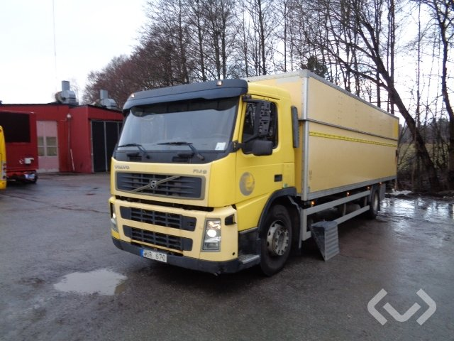 Volvo FM9 (export only) 4x2 Box (tail lift) - 05