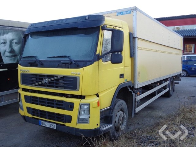 Volvo FM9 (export only) (rep.. item) 4x2 Box (height / adjustable + tail lift) - 04