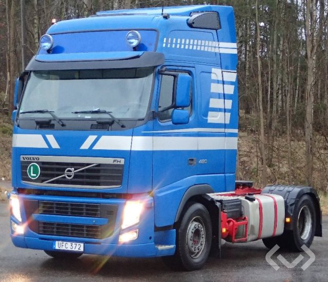 Volvo FH420 4x2 Tractor - 11