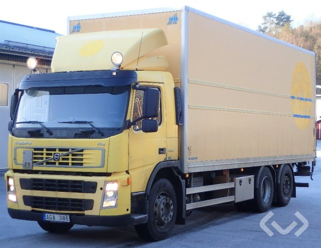 Volvo FM400 (export only) 6x2 Box (tail lift) - 06