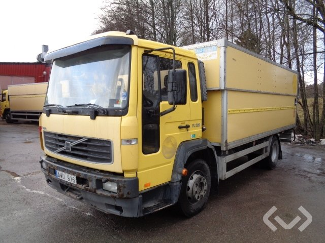 Volvo FL6 H (export only) 4x2 Box (height / adjustable + tail lift) - 06