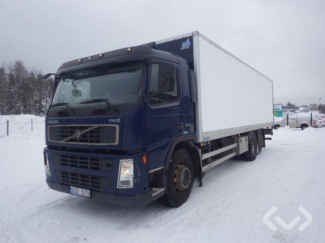 Volvo FM9 6x2 Box (tail lift) - 06