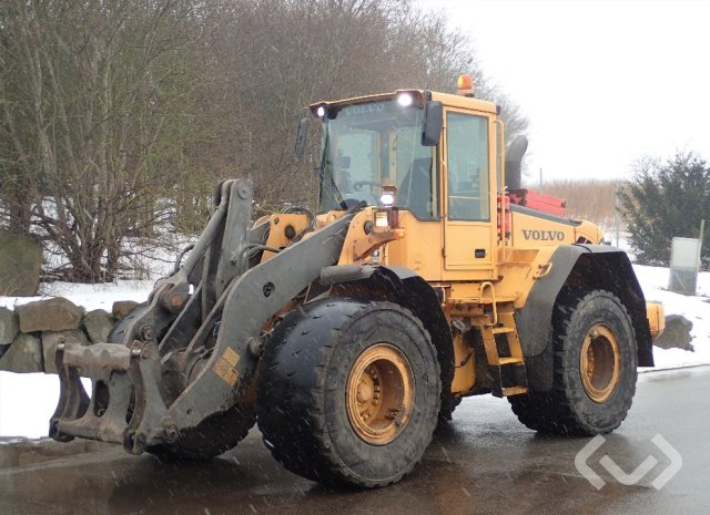 Volvo L110E Wheel loader - 06