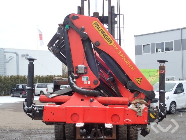 Palfinger 33002 truck crane with 4 launches - 12