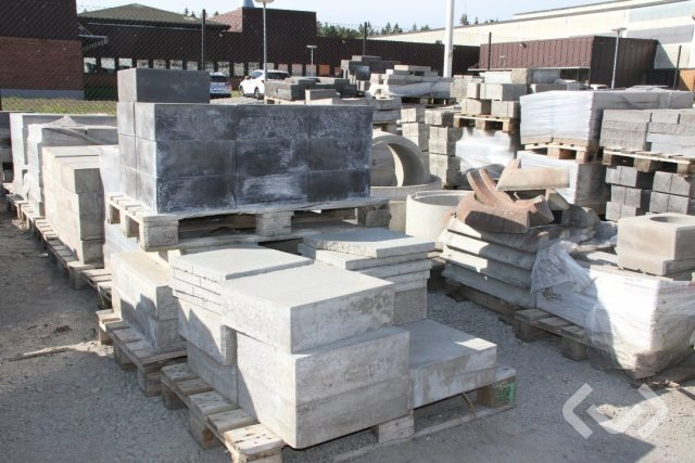 Concrete tiles, curbs, poles, edge elements, etc.