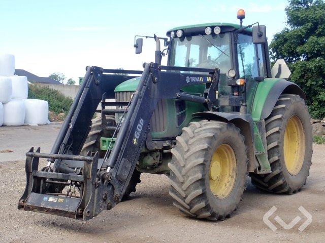 John Deere 7530 Tractor - 08