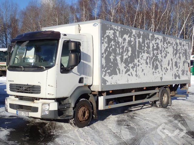 Volvo FL240 4x2 Box (tail lift) - 07