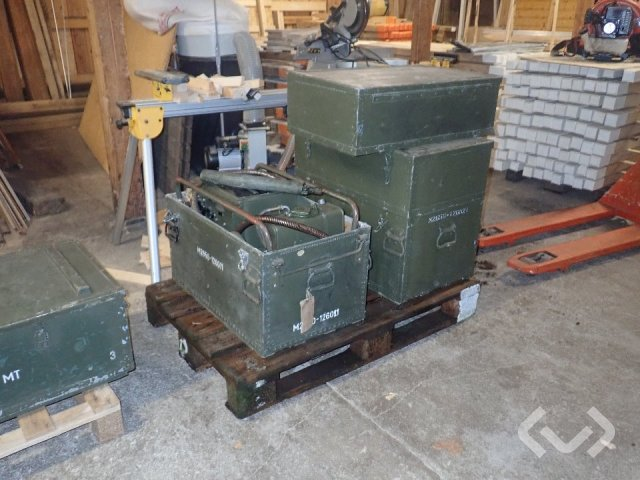 Hägglunds Electricity 1500W 2 pc militarys old ones