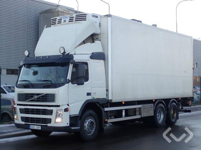 Volvo FM440 6x2 Box (chillers + tail lift) - 08