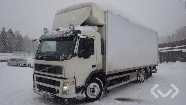 Volvo FM440 (Euro 5) 6x2 Box (chillers + tail lift) - 09