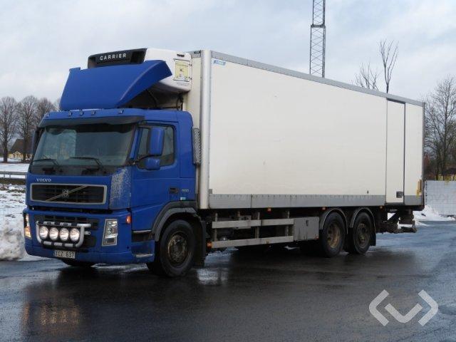 Volvo FM9 6x2 Box (chillers + tail lift) - 05