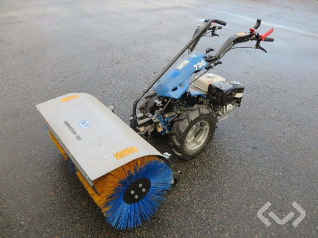 BCS 730 PowerSafe Tvåhjulstraktor med sopvals