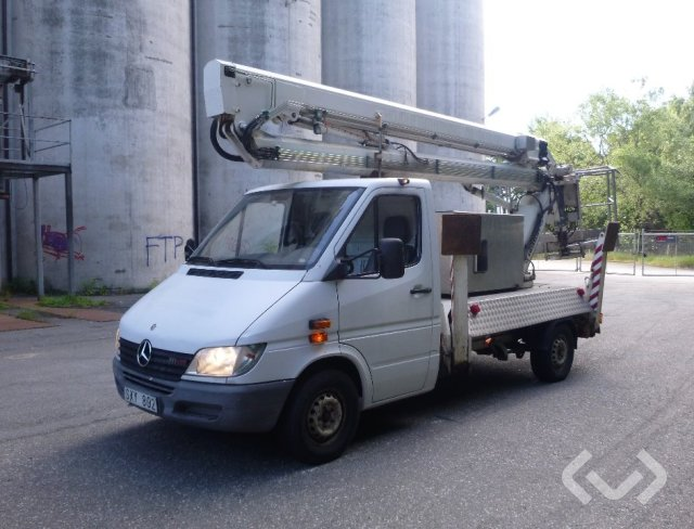 Mercedes Benz 314 med skylift 4x2 Arbetsplattform - 02