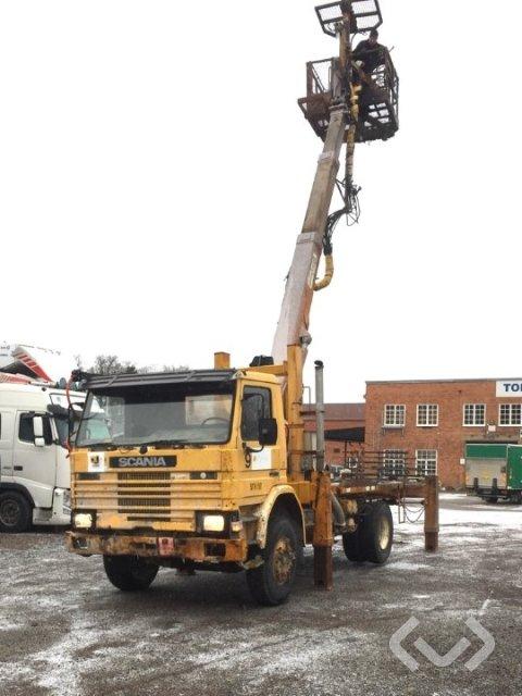 Scania P112 Lastbil med personlift 4x2