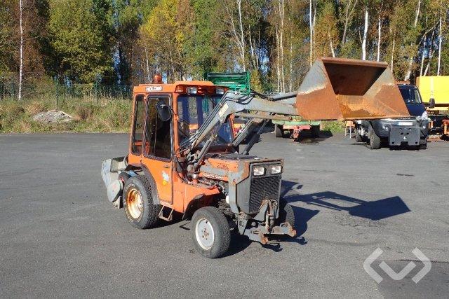 HOLDER P70C-460 med lastare, spridare, plog, skopa & lyft + HBA-vagn med tipp - 91