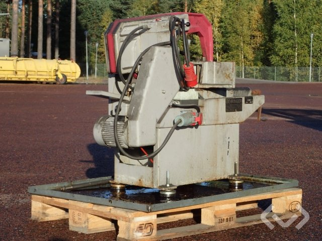 Behringer KS-221HY kallsåg - 96