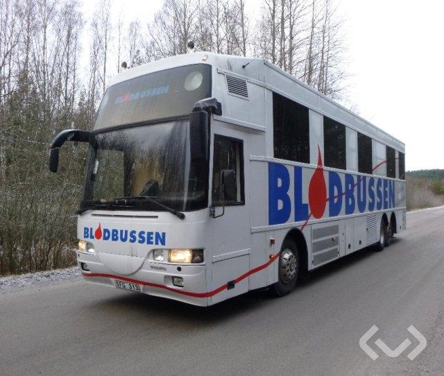 Volvo B10M 6x2 Blodbuss - 01
