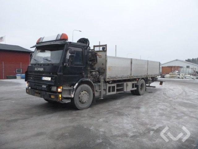 Scania P93HLL25054Z 4x2 Flak-lämmar (kran) - 96