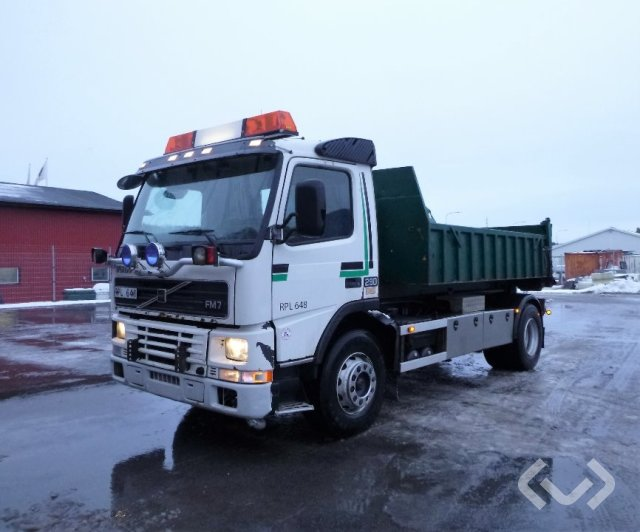 Volvo FM7 4x2 Lastväxlare (flak) - 00