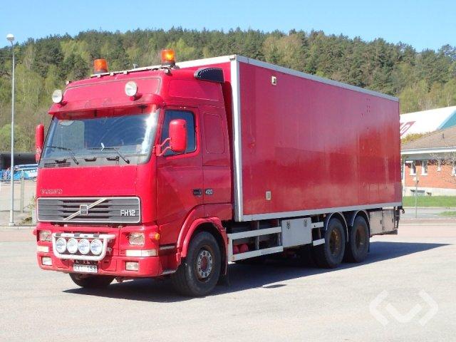 Volvo FH12 6x4 Skåp (öppningsbar sida) - 01