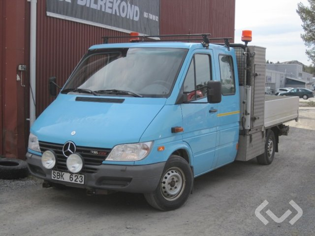 Mercedes Sprinter 316 CDI Pickup/Chassi (156hk) 2-axlar Flak-lämmar (kran) - 01