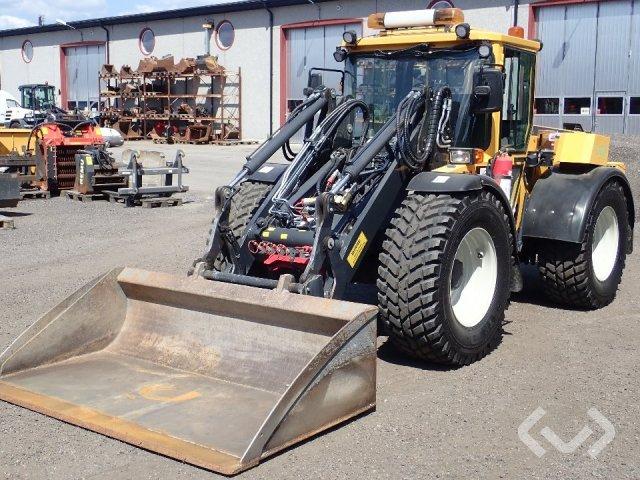 LUNDBERG 7220 Redskapsbärare / hjullastare med planerskopa - 16