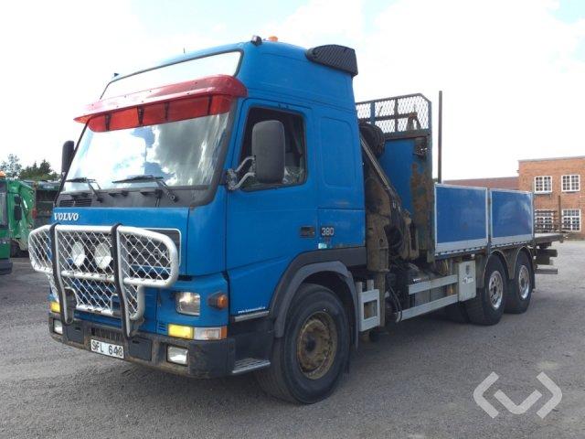Volvo FM12 6x2 Flak-lämmar (kran) - 01