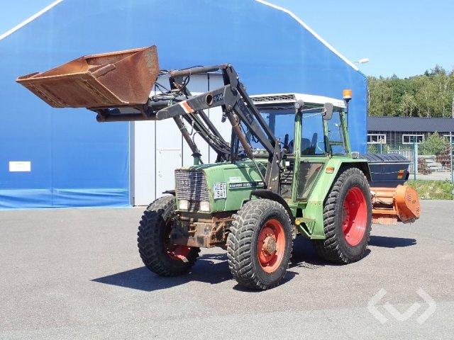 FENDT 306 LS Traktor med lastare, skopa & slaghack - 83