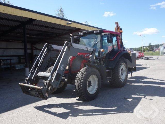 VALTRA N92 Traktor med lastare och släntklippare - 08