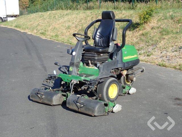 John Deere 2500E Greenklippare - 06