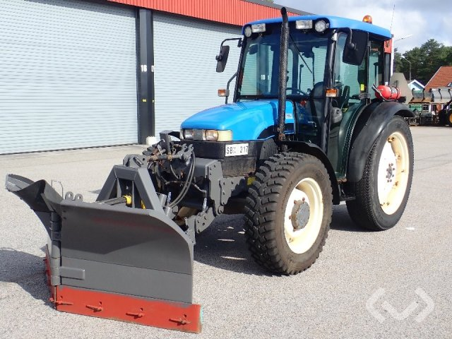 New Holland TN75D Traktor med plog - 01