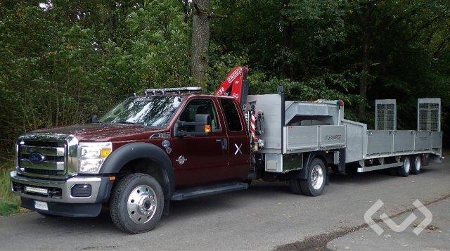 Ford F550 4x2 Dragbil med flak-lämmar (kran) + maskintrailer med ramper - 16