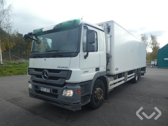 Mercedes 2532 L 6x2 Skåp (kylaggregat+bg-lyft) - 09