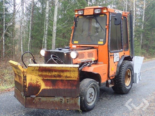 Holder P70C-460 Kompakttraktor med vikpolg och spridare (Rep.Objekt) - 93