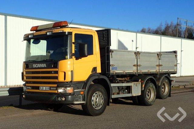 Scania P94GB 6x2 Tippbil (trevägs-tipp/lämmar) - 00