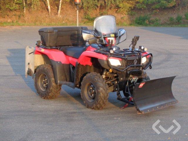 Honda TRX500FA RUBICON ATV med plog och spridare - 15