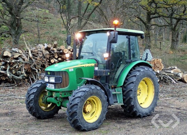 John Deere 5820 Traktor - 04