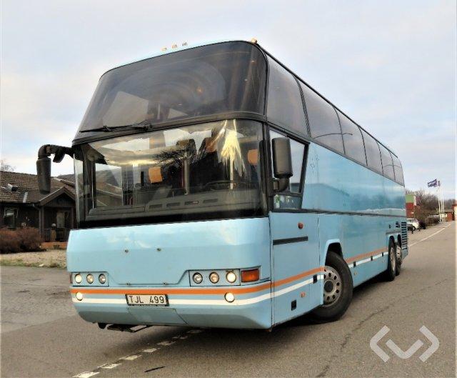 NEOPLAN N116/3H 6x2 Turistbuss - 03
